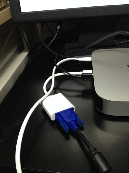Mac-mini-thunderbolt-VGA